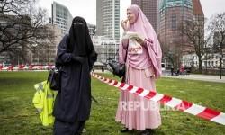 Swiss Desak Pemilih Tolak Larangan Burqa dan Cadar