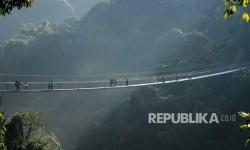 Ridwan Kamil: Jembatan Gantung di Bogor Jadi Semangat Baru