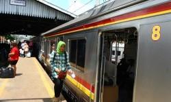 Kereta Anjlok Dievakuasi, Jalur Kereta Beroperasi Normal