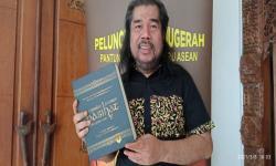 <em>Pantun Nasihat 1000 Guru</em> Catat Rekor MURI