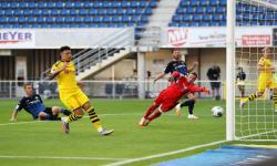 Jadon Sancho <em>Hat-trick, </em>Dortmund Taklukkan Paderborn 6-1
