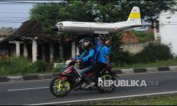 In Picture: Menerbangkan Pesawat Aeromodelling