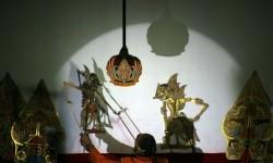 Timun Mas Hadir dalam Pertunjukan Wayang Kulit di Moskow