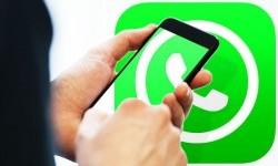 <em>WhatsApp</em> Batasi Fitur Forward Hanya ke Satu Obrolan