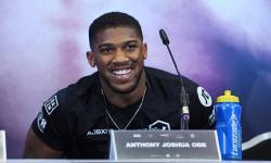 Anthony Joshua Sebut Aksi Protes Vaksi Bagi Rasisme
