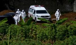 In Picture: Purwakarta Dapat Bantuan Ambulan Khusus Untuk Covid-19
