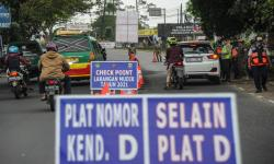 Polisi Perketat Buka-Tutup Jalan di Bandung karena Covid-19