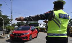 8 Mobil Masuk Surabaya Diminta Putar Balik