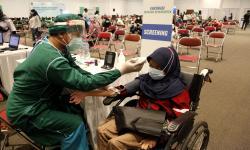 Vaksinasni Disambut Antusias, Meski Masih Ada Yang Enggan
