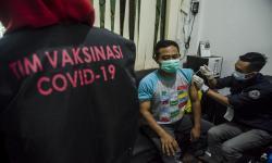 PD Pasar Dorong Pedagang di Bandung Divaksinasi