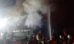 Struktur Bangunan Pasar Minggu Sulitkan Pemadaman Api