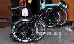 Sepeda Brompton untuk Dua Pejabat Kemensos di Kasus Juliari