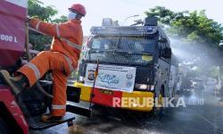 In Picture:  Penyemprotan Disinfektan Kawasan Pariwisata Bali