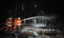 Terjadi 5 Kali Ledakan di Kawasan SPBU Margomulyo Surabaya