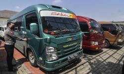 In Picture: Mobil Travel Gelap Diamankan Polres Metro Bekasi