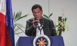 Presiden Filipina: Pilih Vaksin atau Penjara?