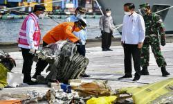 Tinjau JICT, Jokowi Minta Hak Korban Sriwijaya Air Dipenuhi
