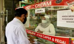 Blusukan Jokowi Temukan Apotek Kurang Stok Obat Terapi Covid