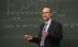 UNS Kukuhkan 6 Profesor Bersamaan