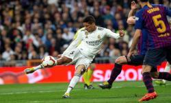 Varane Bisa Dapatkan Nomor Impiannya di Manchester United