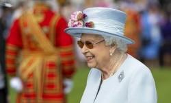 Ratu Elizabeth: Jangan Egois, Ayo Suntik Vaksin Covid-19