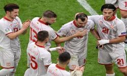 Reaksi Goran Pandev (tengah) dari Makedonia Utara setelah pergantian pemain pada pertandingan penyisihan grup C UEFA EURO 2020 antara Makedonia Utara dan Belanda di Amsterdam, Belanda, 21 Juni 2021.