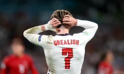 Reaksi Jack Grealish dari Inggris saat semifinal UEFA EURO 2020 antara Inggris dan Denmark di London, Inggris, 07 Juli 2021.