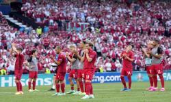 Reaksi para pemain Denmark setelah kalah dalam pertandingan sepak bola babak penyisihan Grup B Euro 2020 antara Denmark dan Belgia di Kopenhagen, Denmark, 17 Juni 2021.