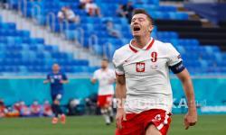 Bangganya Pelatih Slovakia Bisa Buat Lewandowski Mati Kutu
