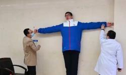 Remaja China 14 Tahun Pegang Rekor Anak Tertinggi di Dunia