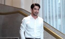 Harapan Reza Rahadian pada Miniseri 'Sementara, Selamanya'