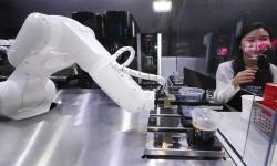 Kafe Korsel Gunakan Robot Layani Pembeli Saat Pandemi