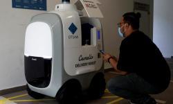 Perusahaan Singapura Uji Coba Robot Pengantar Barang