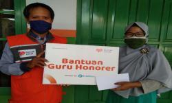 Rumah Zakat Beri Bantuan Guru Honorer