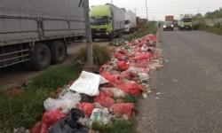 Pembuang Sampah di Kalimalang Bekasi Serahkan Diri ke Polisi