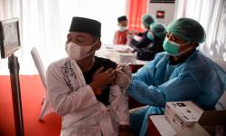 Ribuan Santri di Pandeglang Ikuti Vaksinasi Covid-19