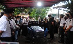 Penghormatan Terakhir Bagi Bang Mirza Pilot Rimbun Air