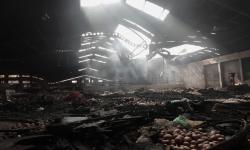 In Picture: Evakuasi Barang Pascakebakaran di Pasar Wage Purwokerto