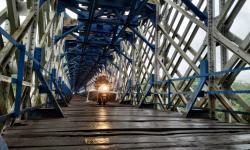 Masyarakat Senang Jembatan Cirahong Kembali Dibuka