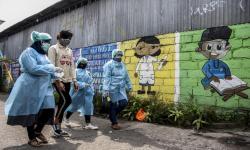 Jokowi: Kasus Covid di Pulau Jawa Mulai Turun