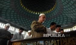 Masjid Al-Akbar Surabaya Gelar Sholat Jumat, Jamaah Dibatasi