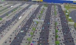 800Muslim Jerman Sholat Idul Fitri di Tempat Parkir Ikea
