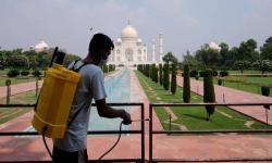 Pembatasan Dicabut, Taj Mahal Kembali Dibuka untuk Turis