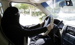 Sekolah Mengemudi Arab Saudi Juga Buka, Tetap Pakai Protokol