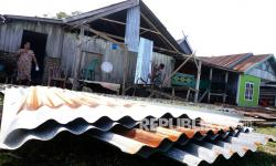 Angin Puting Beliung Hantam Puluhan Rumah Lampung Selatan