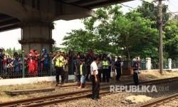 Perempuan Ditemukan Tewas Mengenaskan di Rel Kereta Senen