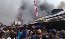 Kebakaran Pasar Ciranjang Cianjur, Seratusan Kios Terbakar