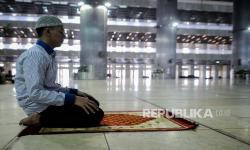 Rasulullah Sholat Sunnah dengan Duduk Meski Kondisi Sehat