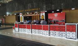 Presiden Jokowi Tiba di Kompleks Parlemen Kenakan Baju Adat