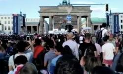 Nonton Bareng Final Piala Dunia di Gerbang Brandenburg